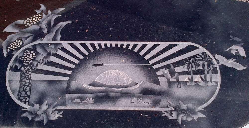 Traveller grave design