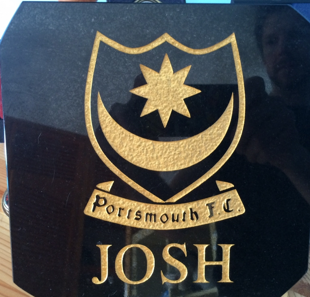 portsmouth fc grave design