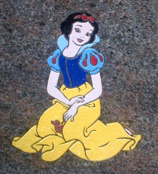 snow white grave design